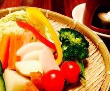 地元の野菜をふんだんに使ってます!