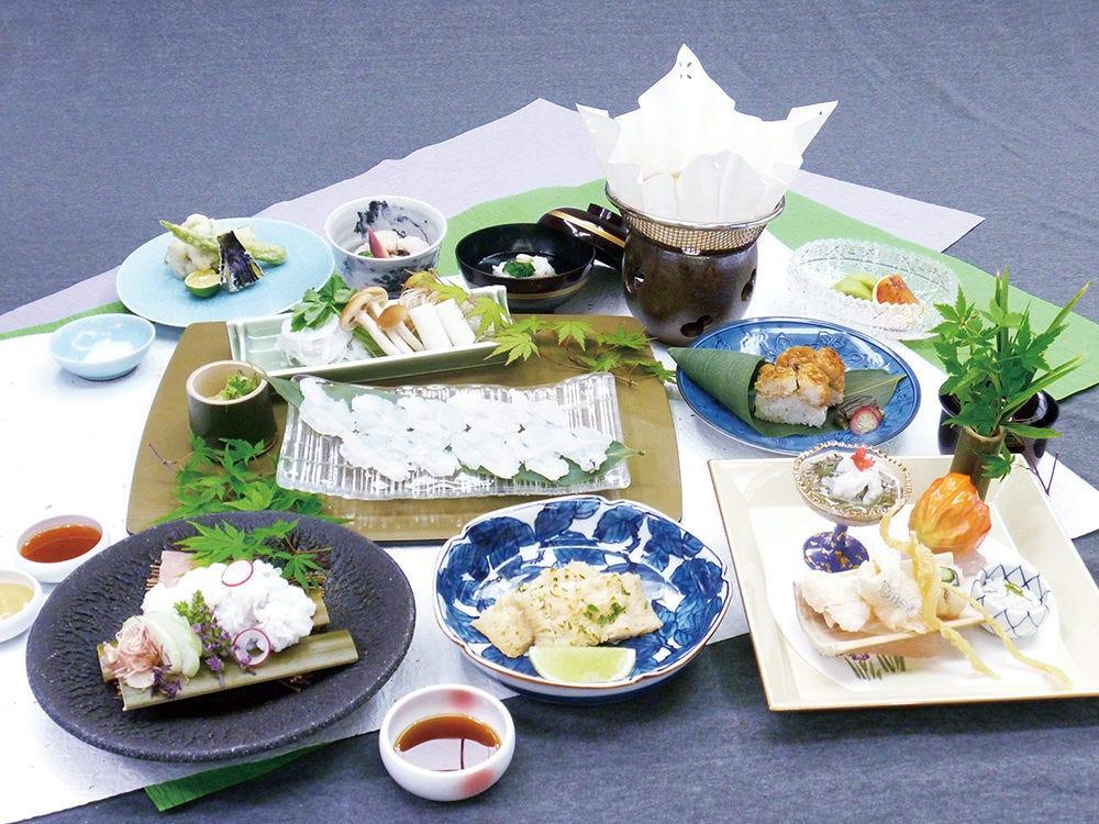 鱧会席 12100円(税サ込) 鱧尽くしの会席料理をご堪能下さい。