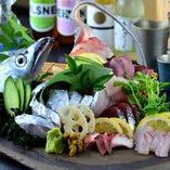 毎朝仕入れる新鮮魚介は圧巻の美味しさ!
