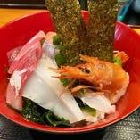 空自慢の海鮮丼