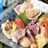 【季節の味覚】 市場で目利きした鮮魚など、四季折々の食材たち