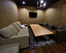 ソファ席のプライベート個室でご宴会