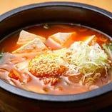 「島豆腐とキムチチゲ」は焼肉との相性抜群!