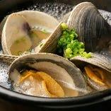 名物料理の蛤の石鍋 是非ご賞味ください。