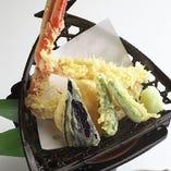 ズワイがにと野菜の天ぷら