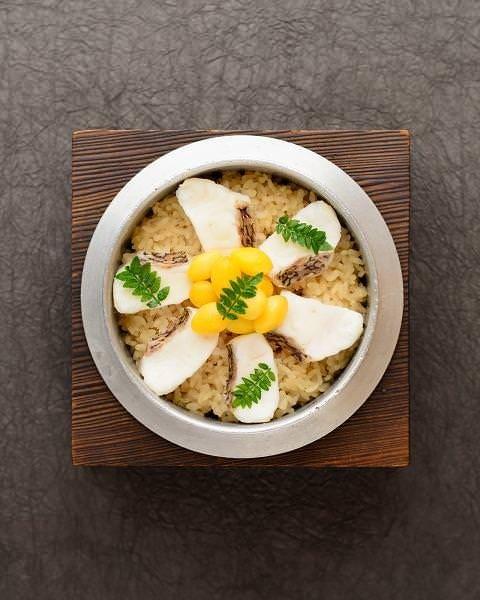 天然鯛と旬菜の釜めし