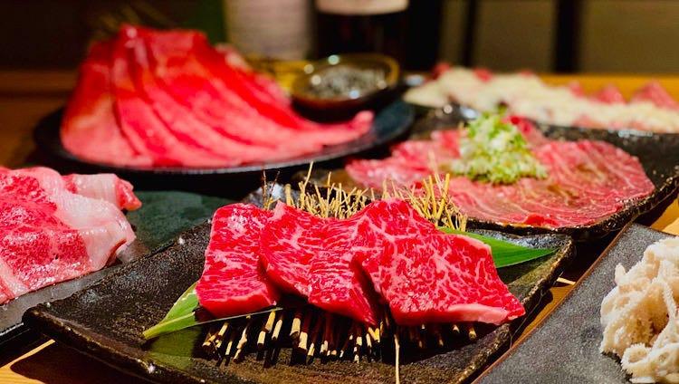 【特選】本日の牛刺しをはじめ赤身から霜降りまで職人の技を心ゆくまで堪能。料理のみ10000円コース