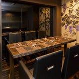 接待や宴席に重宝する上品なテーブル席(4名様~6名様)