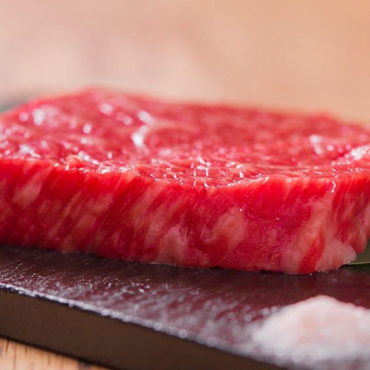 """和歌山が誇る新ブランド牛の""""紀州和華牛""""を贅沢にステーキで"""