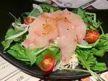 鮮魚のカルパッチョ風サラダ