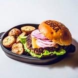 国産牛100%パティのチーズハンバーガー
