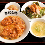 Aランチ:北京飯+棒棒鶏+スープ+漬け物