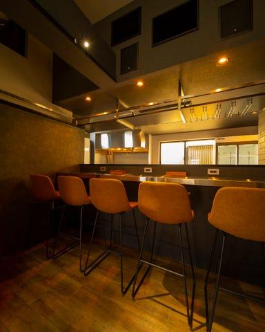 低温調理ローストビーフとお酒 SNUG  店内の画像
