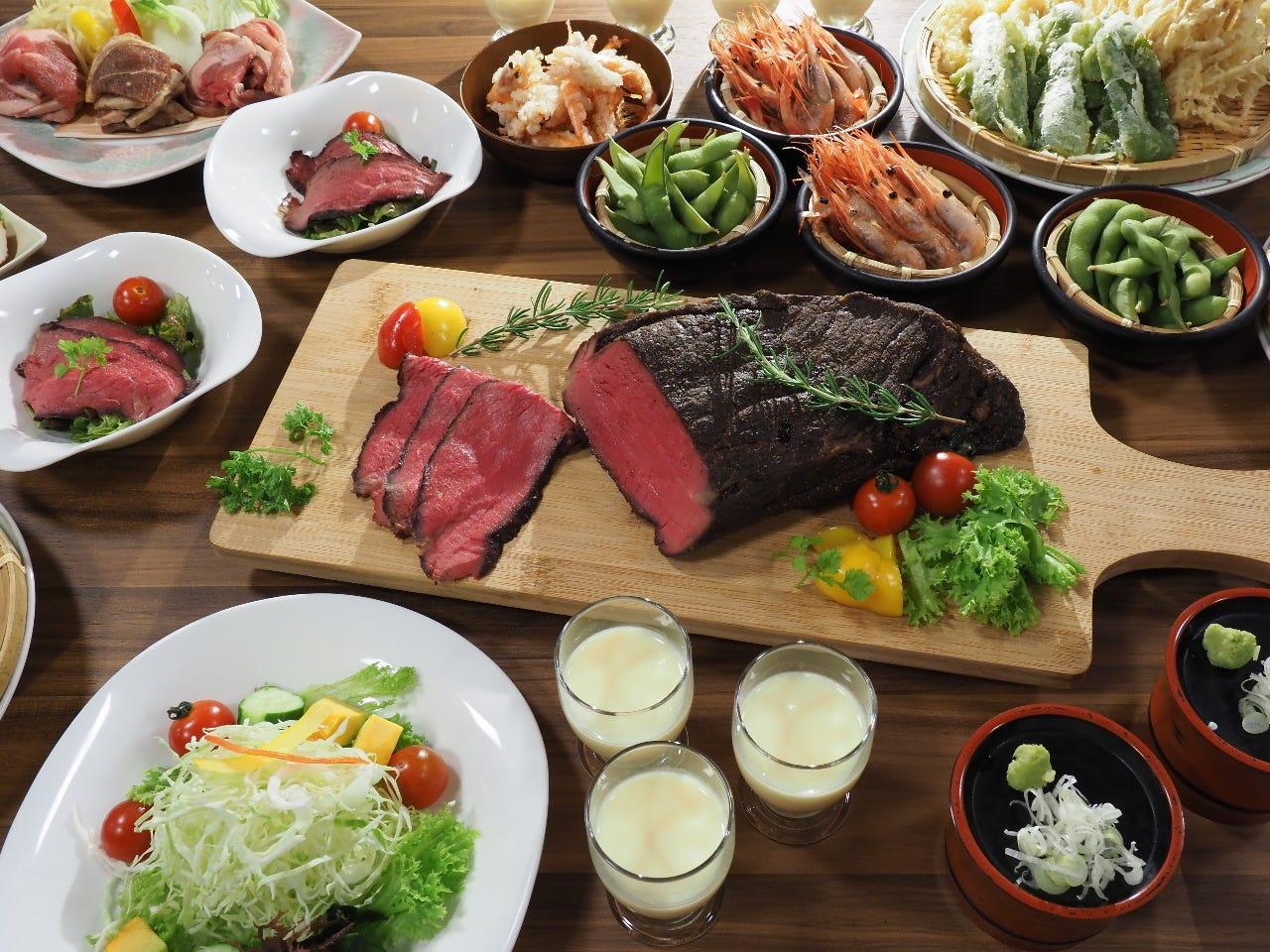 ジンギスカンや蒜山ジャージー牛ローストビーフも食べ放題!高原のランチビュッフェ