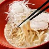 ●3種の麺から選べる 鶏白湯ラーメン大好評中!
