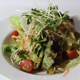 シンプルなグリーンサラダ