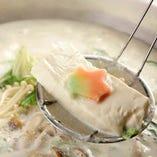 京都といえば豆腐!平林亭の湯豆腐は絶品の一品。