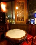 ■約150年前中国のお寺で実際に使っていた窓枠・テーブルです■