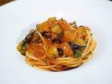 スパゲッティーニ 自家製ローザマリーナとナスのアラビアータ