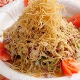 蒸し鶏バリバリサラダ