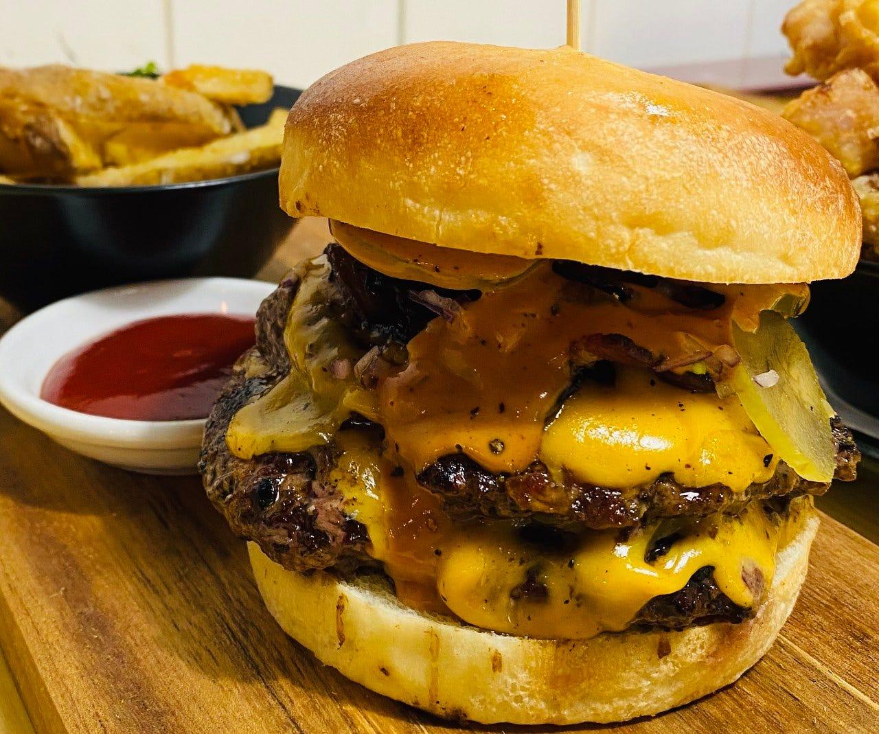 他では味わえないオーストラリアの定番ハンバーガーセット