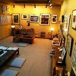 2階には芦屋画廊を展開しております。芸術品をご鑑賞ください。