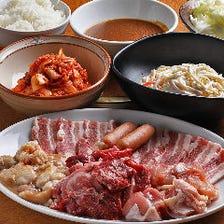 牛や豚など5種類のお肉が食べ放題!