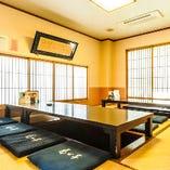 1階の掘りごたつ個室【桜】。最大で16名様までのご利用が可能です。
