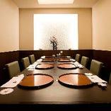 テーブル6名様~8名様の個室も完備