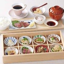 湯葉と豆腐の豆皿御膳