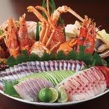 土佐料理の代表 皿鉢(さわち)山の幸・海の幸満載