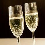スパークリングワインをプレゼントなど、宴会コースに使えるクーポンもございます!要チェック★