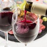 西蒲区の小林ワイナリーの「ドメーヌ・ショオ」や、岩の原ワインの「深雪花」など、新潟県産ワインもご注目。