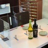 新潟県の「安心なお店応援プロジェクト」認定店。お隣はもちろん、対面もアクリルボードで仕切りを構えておりますので、安心安全にお食事をお楽しみ頂けます!