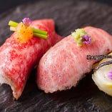 繊細は盛り付けや彩りはまさに芸術。五感で神戸牛を愉しんで