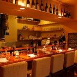 ソムリエの資格を持つシェフのセレクトワインも楽しみの一つ。