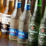 ハイネケンの氷点下プレミアム「Heineken Extra Cold」などボトルビールも豊富