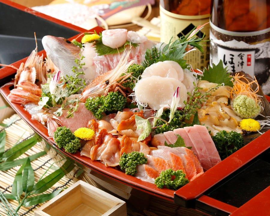 ご宴会の場も華やかになる 築地直送・鮮魚の舟盛り