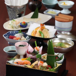 【全9品】華やかな彩りの日本料理をお昼に愉しむ『彩(いろどり)コース』