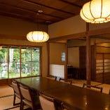 『加茂の間』は、大人数でのご宴会に最適な個室空間です
