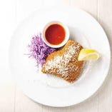 新鮮和豚もちぶた厚切りレバーのミラネーゼ  ハニートマトソース