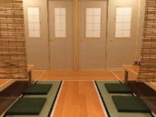 和室の個室 または 木の温もり半個室