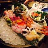 本日の鮮魚の仕入れで刺身盛合せ