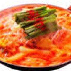 ピリ辛鶏ホルモン赤鍋