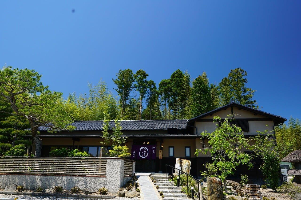 黒川郡大和町の古民家を改装した店舗です。