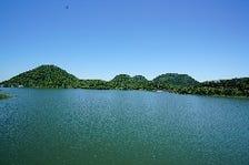 南川ダムより望む新緑の七ツ森