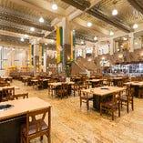 1階 バーベキューレストラン 最大450席の名古屋最大級ビヤホール!吹上げ天井400席の開放的な空間