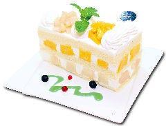 沖縄マンゴーと桃のプレミアムジャンボショートケーキ  『8月限定』