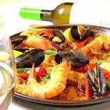 30種以上の食材から織り成す、深みのある味のパエリア。
