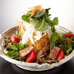 パリパリ麺のシーザーサラダ